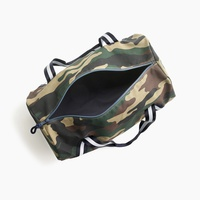 Kids' overnight bag in camo